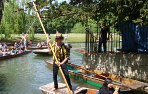 【剑桥图片】剑桥传统休闲活动:Punting!River Cam!撑篙游剑河。。。