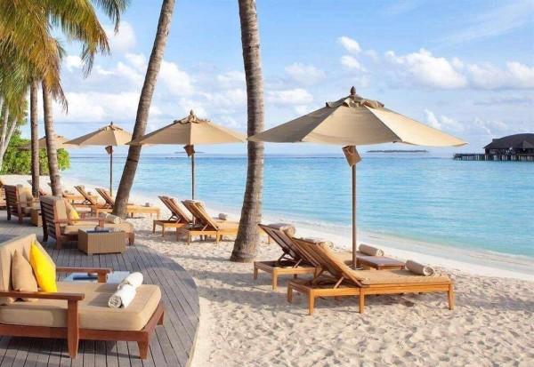 马尔代夫 游记   岛上的日子,就是吃饭,出海;吃饭,浮潜;吃饭,闲逛