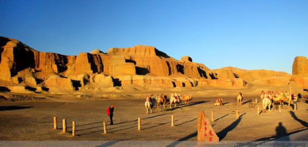 布尔津 中国/D8布尔津//喀纳斯喀纳斯湖是中国新疆阿勒泰 地区布尔津县北部...