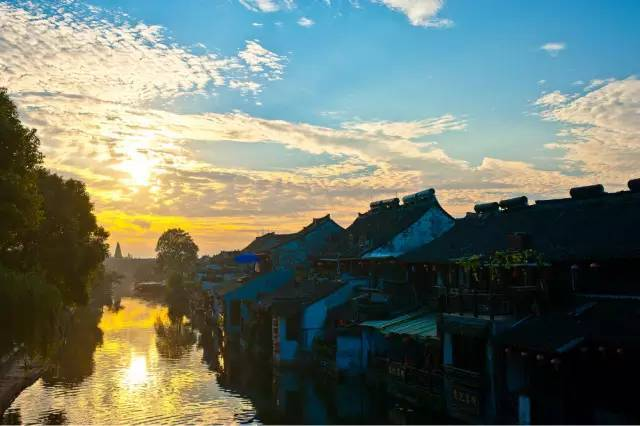The nine most beautiful ancient towns that must go in 2017!-Charming China