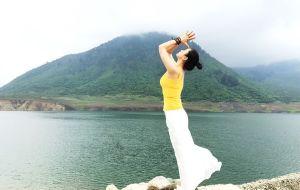 【冕宁图片】端午冶勒湖游记:砍柴、喂马、练瑜伽【 A♡ 华子 ~ MAYA出品】
