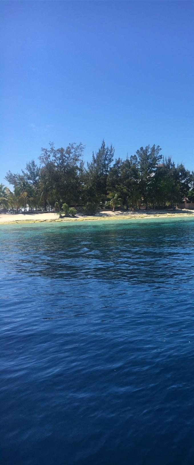 第三天我们去了大小马达京,跟龙珠岛,这是我三天来觉得海里风景最漂亮