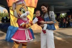 一岁两个月宝宝珠海海洋王国游记