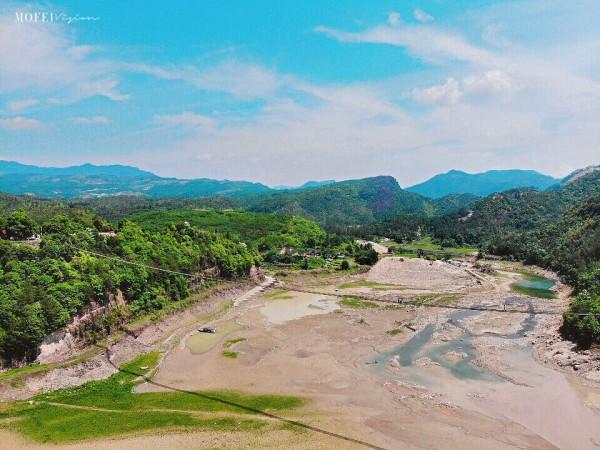 泰顺 游记   白鹤山庄是泰顺县瑞龙生态旅游有限公司于2000年投资开发