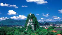 桂林景点-独秀峰