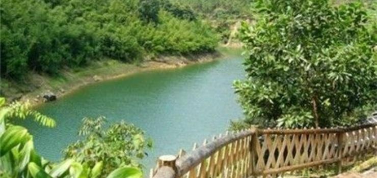 鼎湖九龙湖