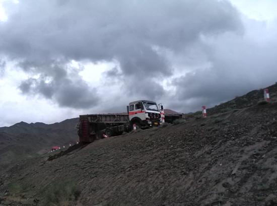 新疆十天自驾边境游 塞里木湖 唐布拉等景区游