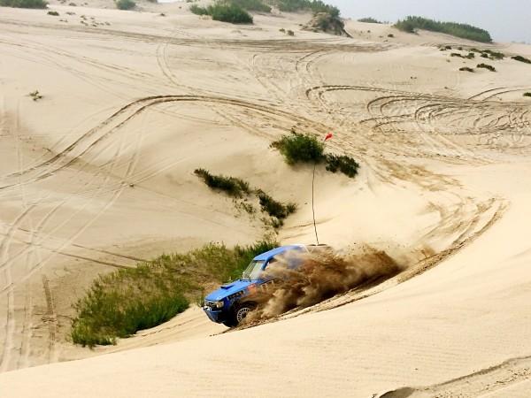 热情的沙漠:塔敏查干同砚四驱沙漠挑战赛--库伦旗游记