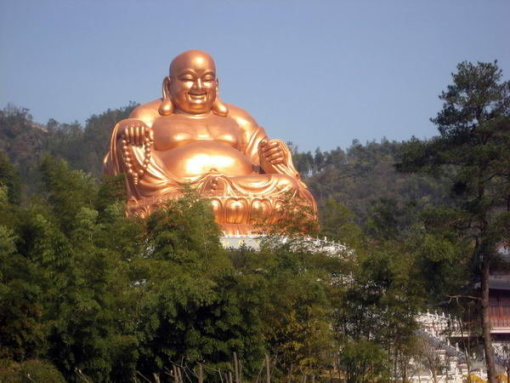 早餐后乘车至【锦屏山风景区】(离弥勒县城大概有7公里左右),游览雄伟