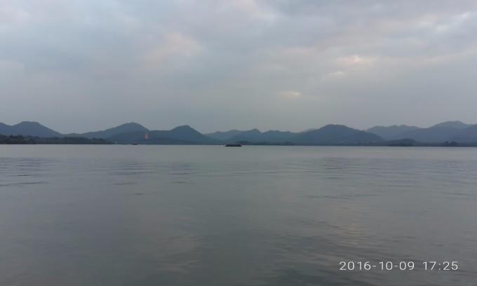 十月走西湖 路线:杭州动物园-龙翔桥-湖滨-吴山夜市-音乐喷泉