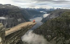 【卑尔根图片】#Seize the Day# 拜访巨人家园 - 自驾挪威四大峡湾、巨人之舌、布道石、奇迹石